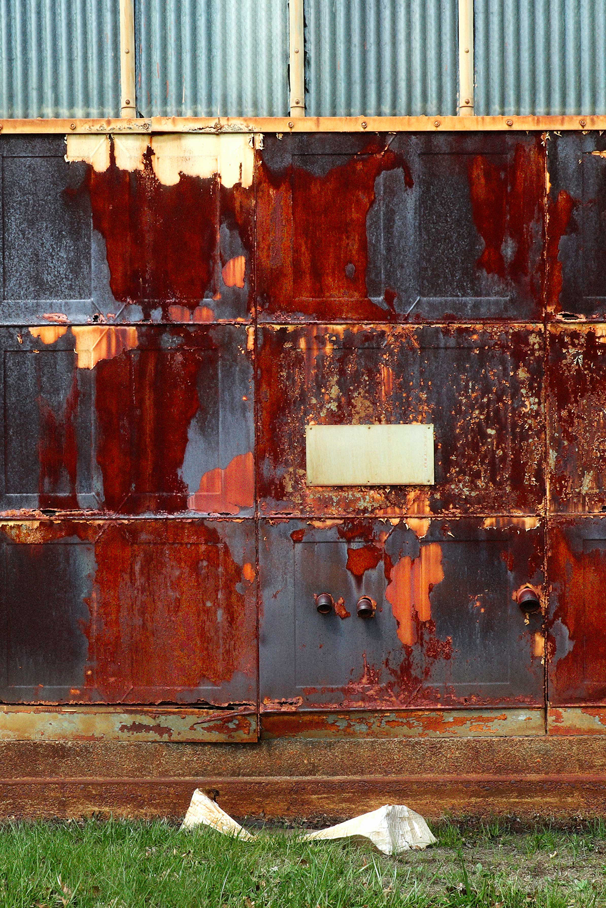 Navy_Yard_Rust_1